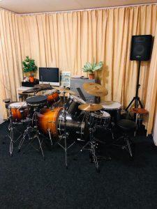 Vakantierooster. Drumlokaal NMI tijdens de vakantie