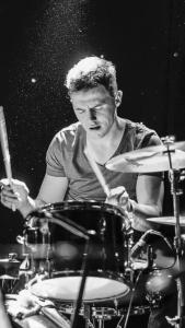 Drumdocent Marcel Wolthof in actie